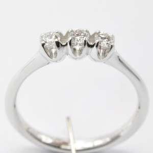 Anello Trilogy Diamanti Dluce ATR001024WDI C023 WDG